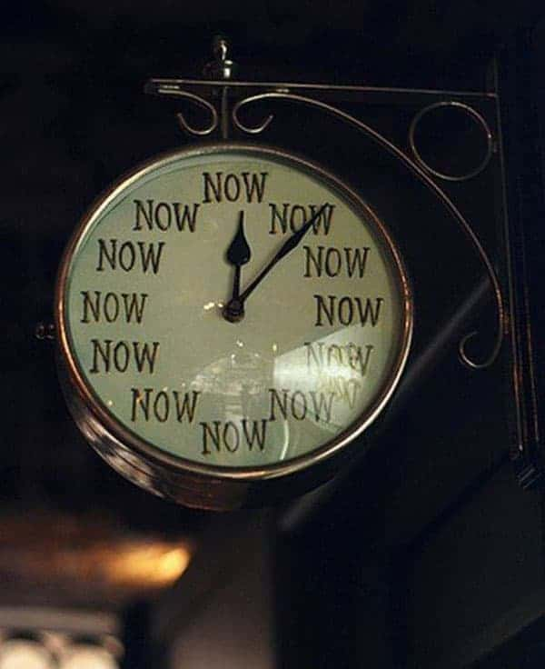 Funny Unusual Clock That Is Not So Useful
