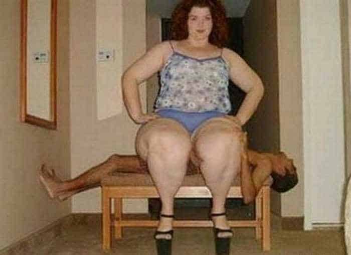5 Amazingly Awkward And Funniest Couple Pictures -02