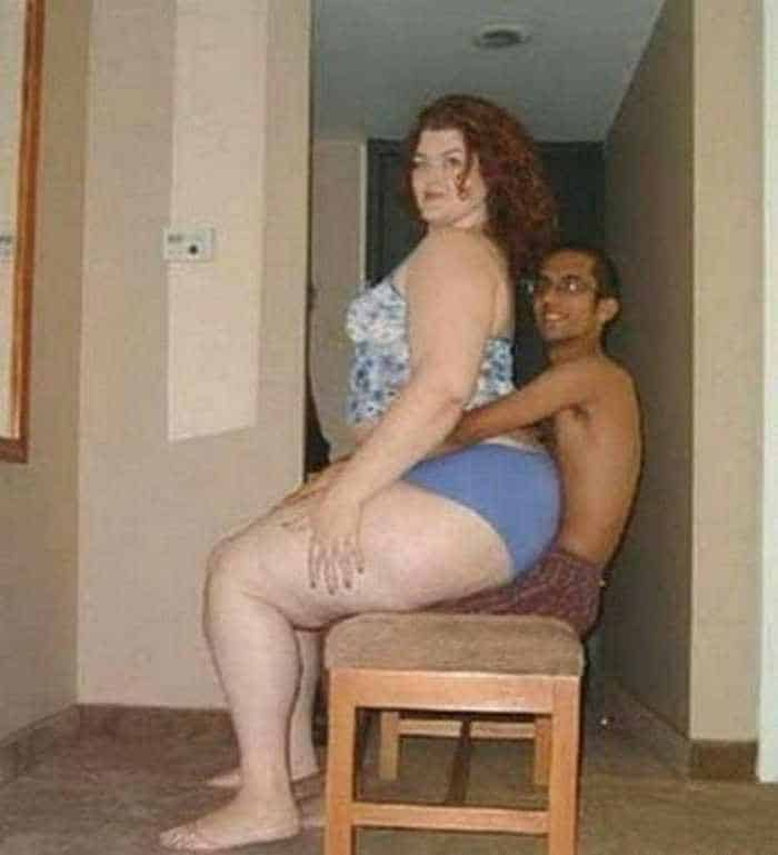 5 Amazingly Awkward And Funniest Couple Pictures -05