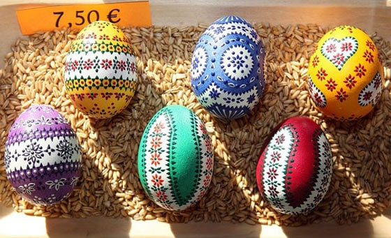 25 Best Ideas about Easter Eggs -06