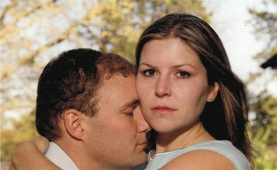 31 Funny Fail Engagement Photos Captured At Perfect Time Are Hilarious -01