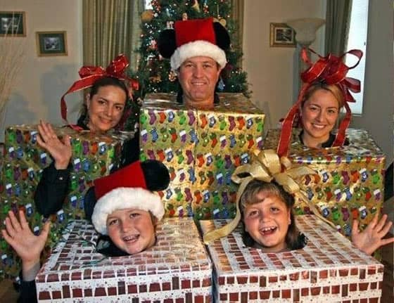 The 20 Most Awkward Family Photos Ever That Will Make Your Day -04