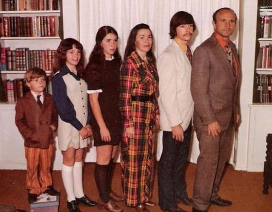 The 20 Most Awkward Family Photos Ever That Will Make Your Day -06