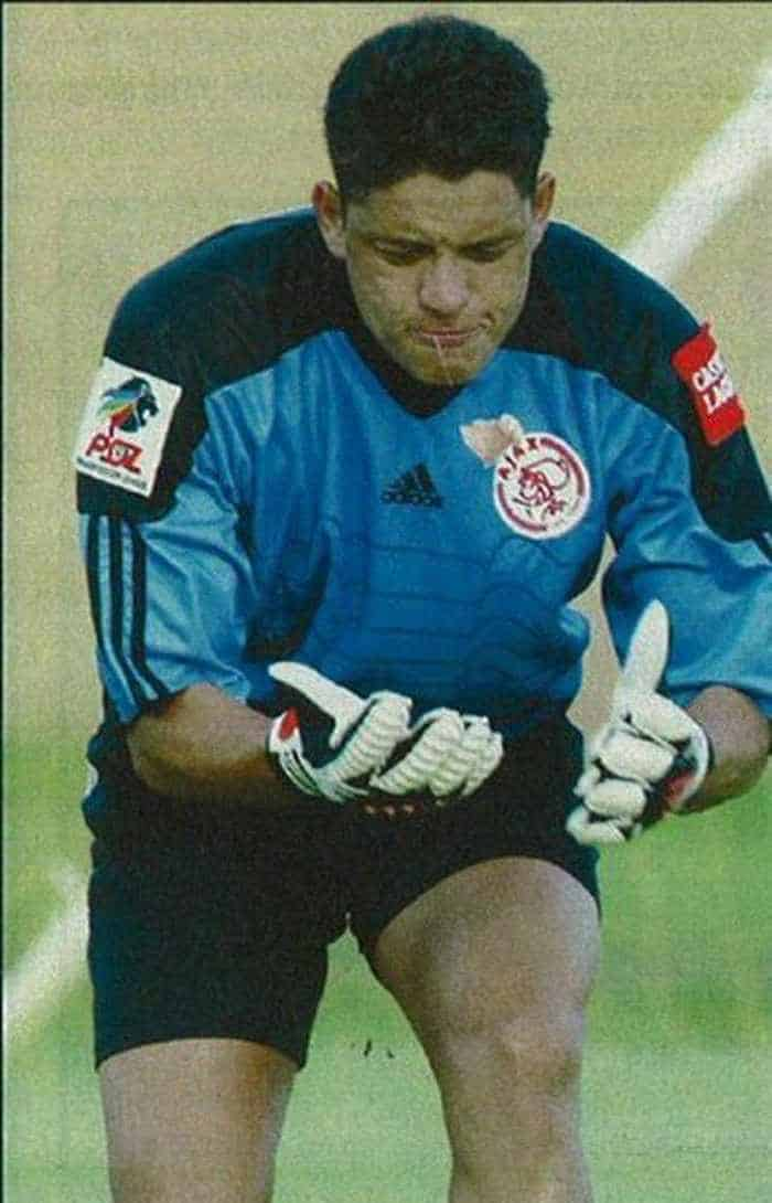 Funny Goalkeeper Pictures of The Day_03