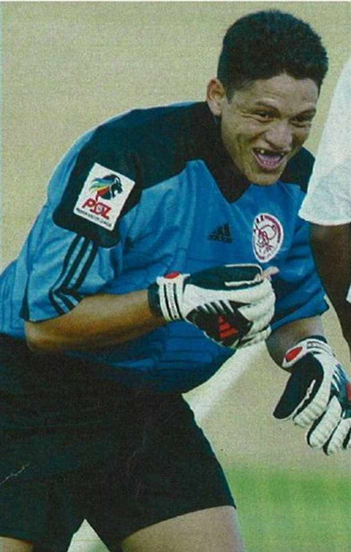 Funny Goalkeeper Pictures of The Day_04
