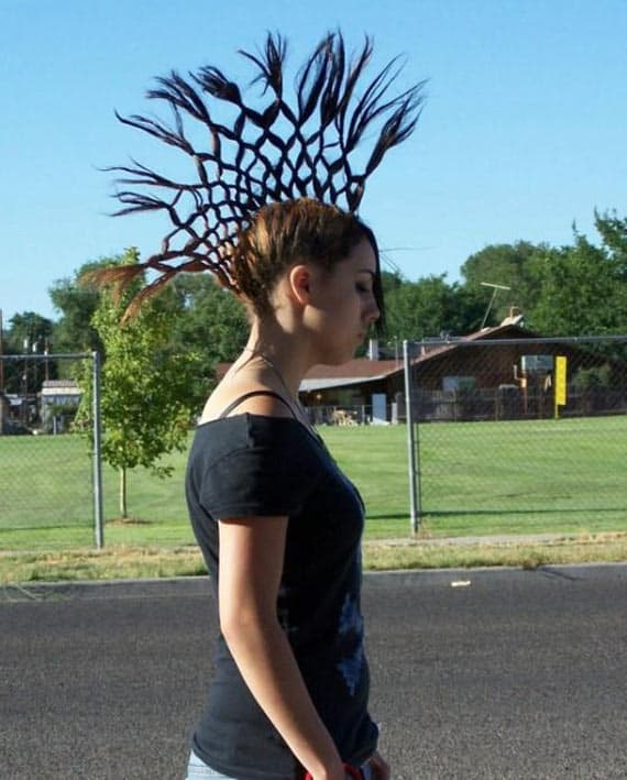 Funny Hair Style of Lady Looks Like Crown of Alexander The Great