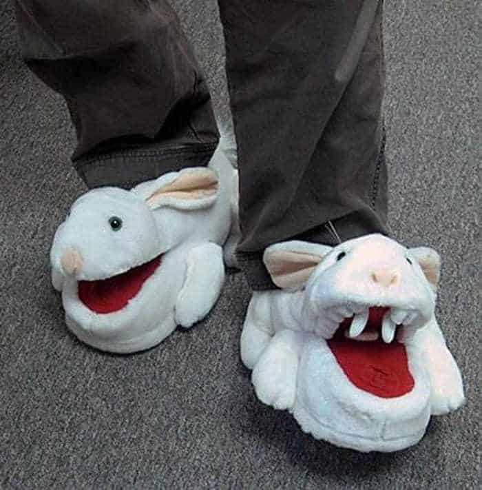 12 Creative Funny House Slippers That Are Mind-blowing-07