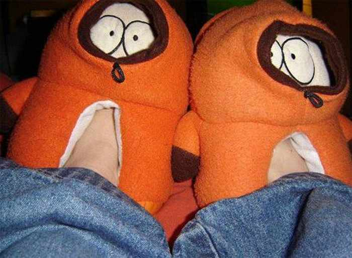 12 Creative Funny House Slippers That Are Mind-blowing-11