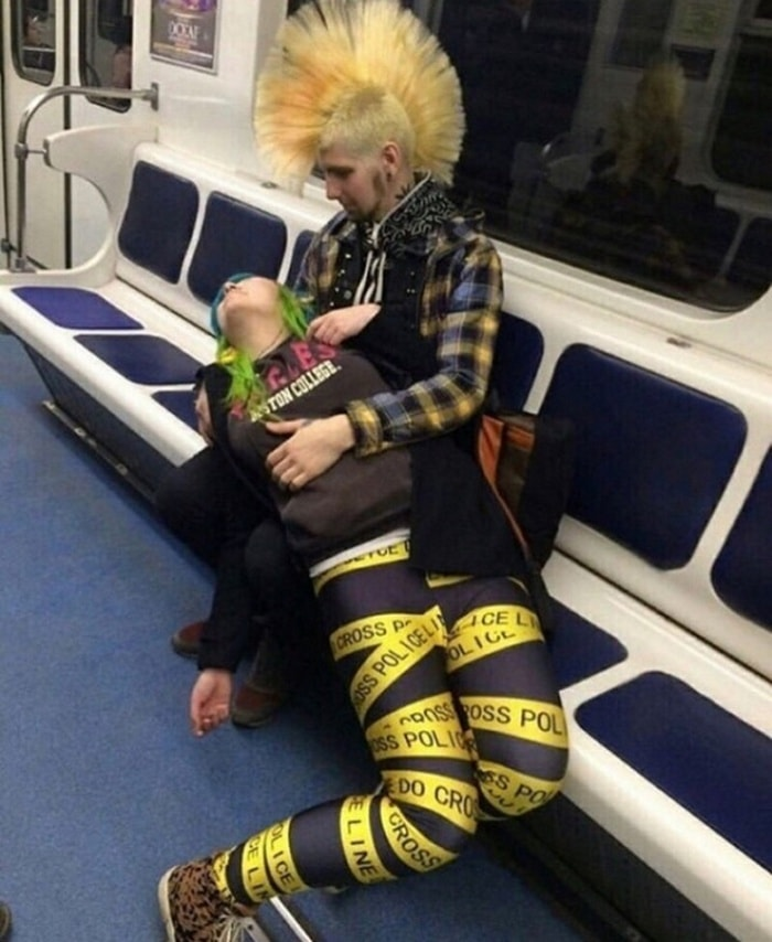 Funny People Of Moscow Subway That Will Make You LOL (64 Pics)-45