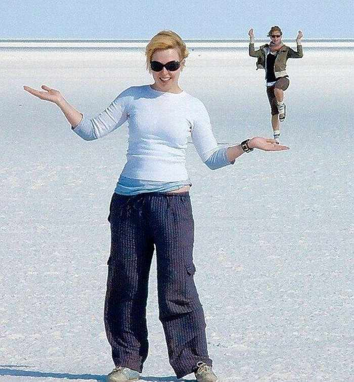 16 Funny And Weird Photos Captured At Perfect Time -05
