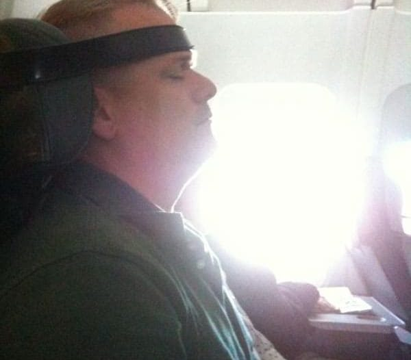 funny-picture-airplane-belt