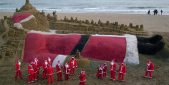 This Biggest Santa Claus Will Amaze You on This Christmas