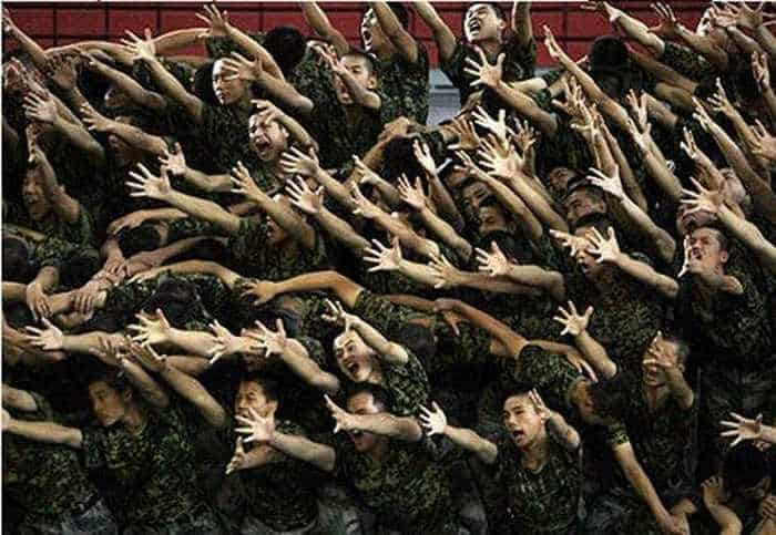 Crazy And Funny Soldiers From China - 12 Photos -02