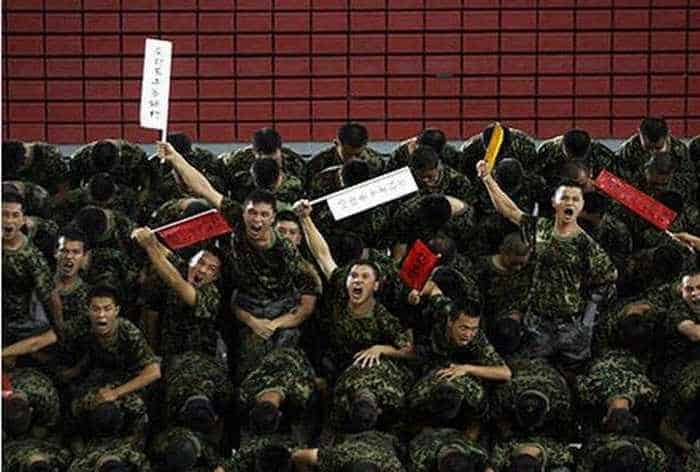 Crazy And Funny Soldiers From China - 12 Photos -04