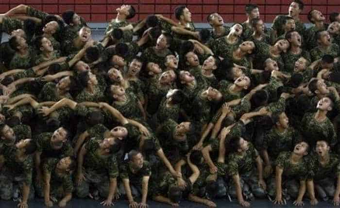 Crazy And Funny Soldiers From China - 12 Photos -06