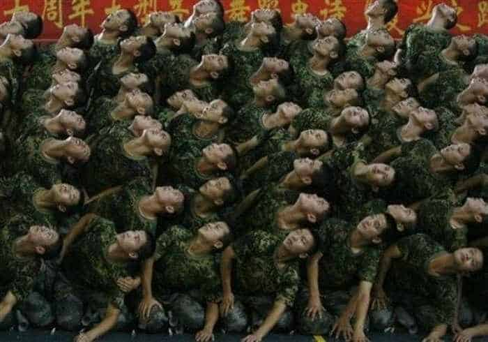Crazy And Funny Soldiers From China - 12 Photos -08