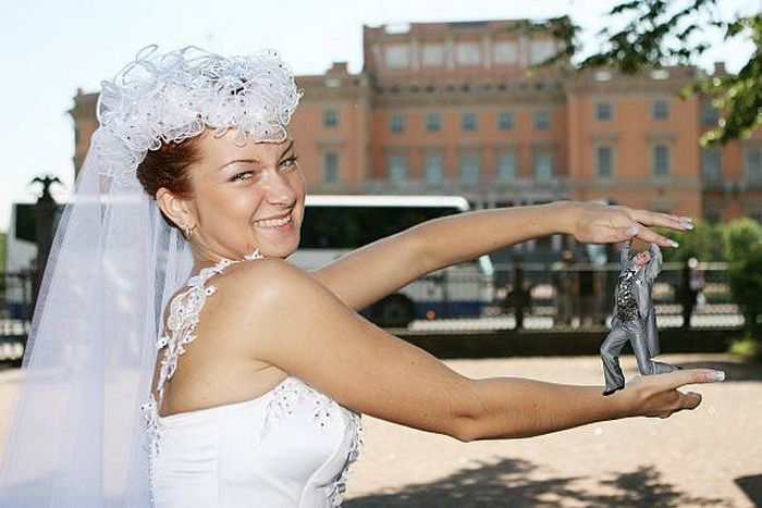 Hilarious Photoshopped Russian Wedding Photos (24 Pics)-05