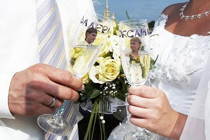 Hilarious Photoshopped Russian Wedding Photos (24 Pics)-09
