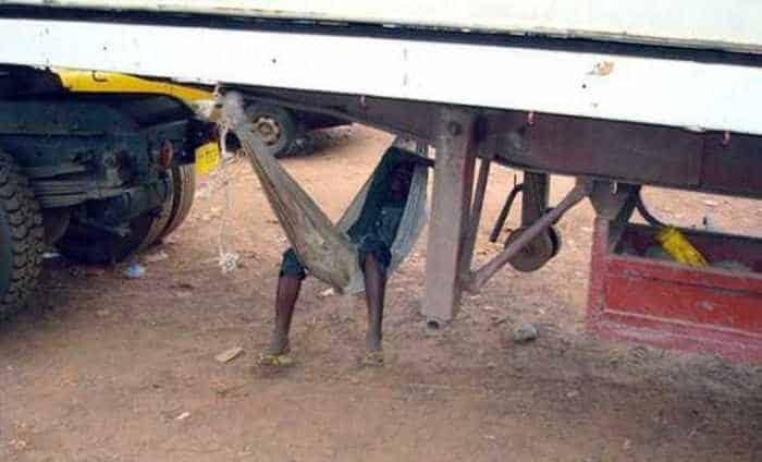 Meanwhile in Africa - 34 Funny Pictures -07