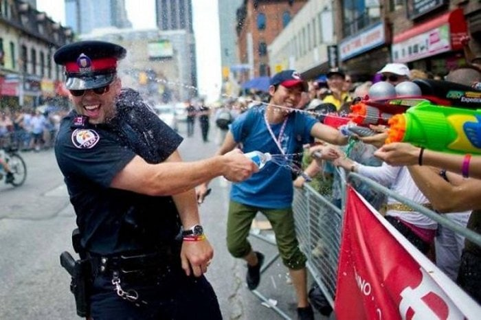Meanwhile In Canada - 50 Funny Canadian Life Photos-12