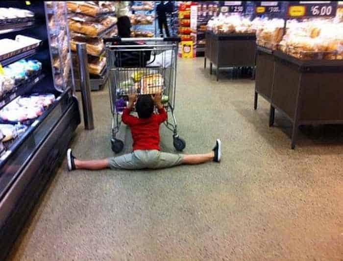 25 Meanwhile Kids At Shopping Mall Pictures Will Make You LOL -12