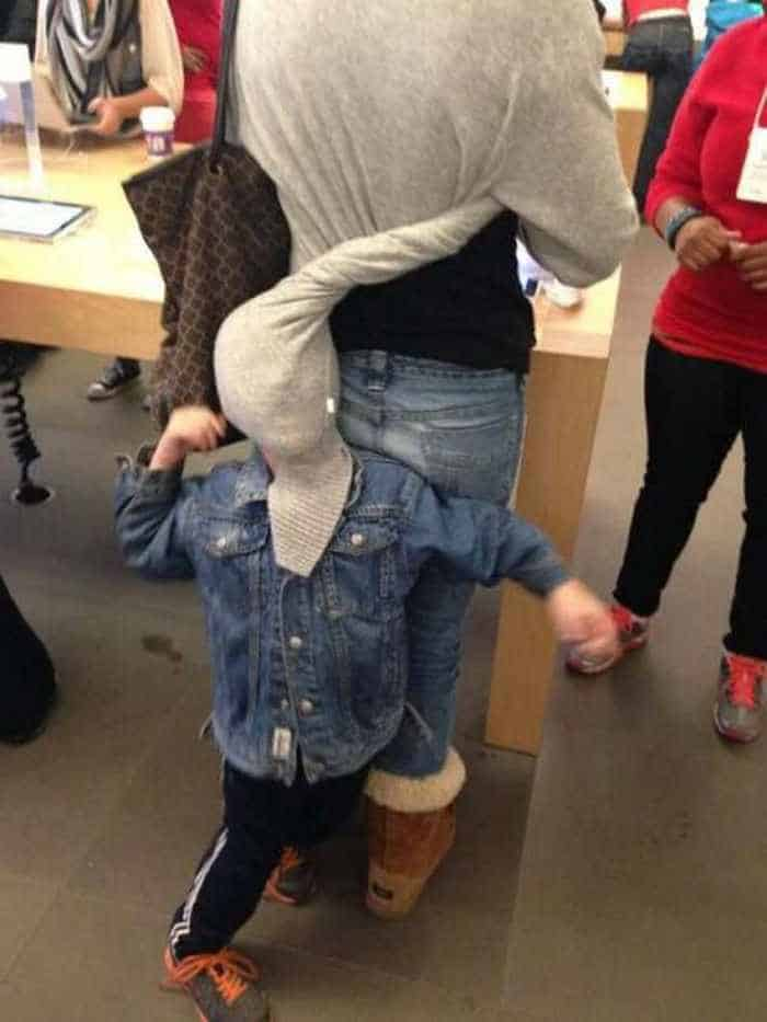 25 Meanwhile Kids At Shopping Mall Pictures Will Make You LOL -19