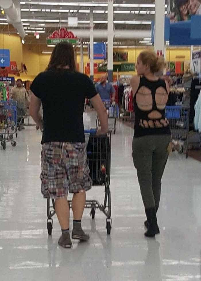40 Hilarious People of Walmart That are on Another Level -11