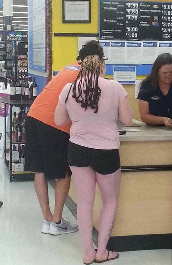40 Hilarious People of Walmart That are on Another Level -15