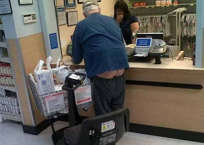 40 Hilarious People of Walmart That are on Another Level -37