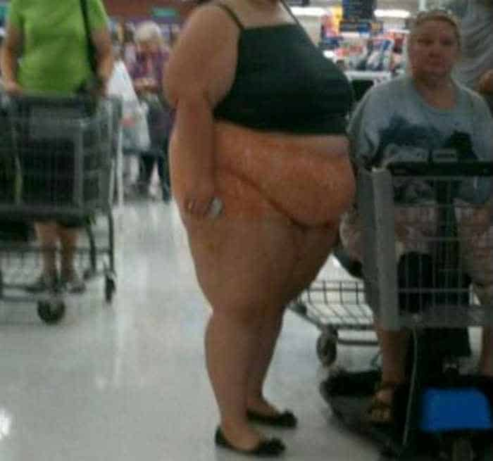 40 Funny Pics Of Most Ridiculous People Of Walmart -02