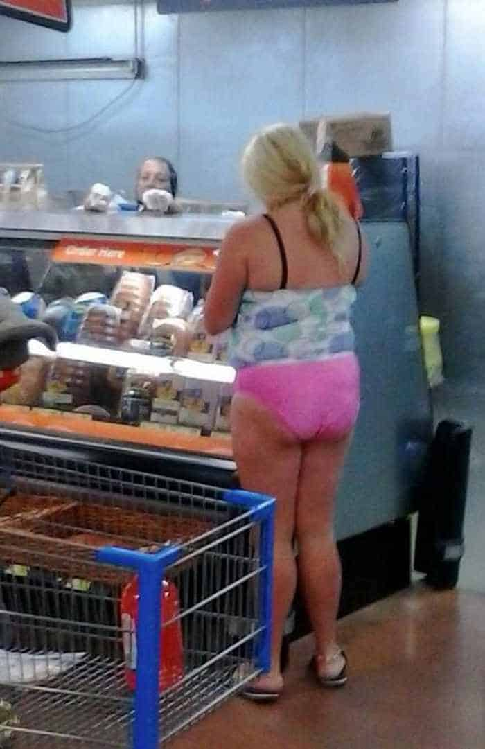 40 Funny Pics Of Most Ridiculous People Of Walmart -03