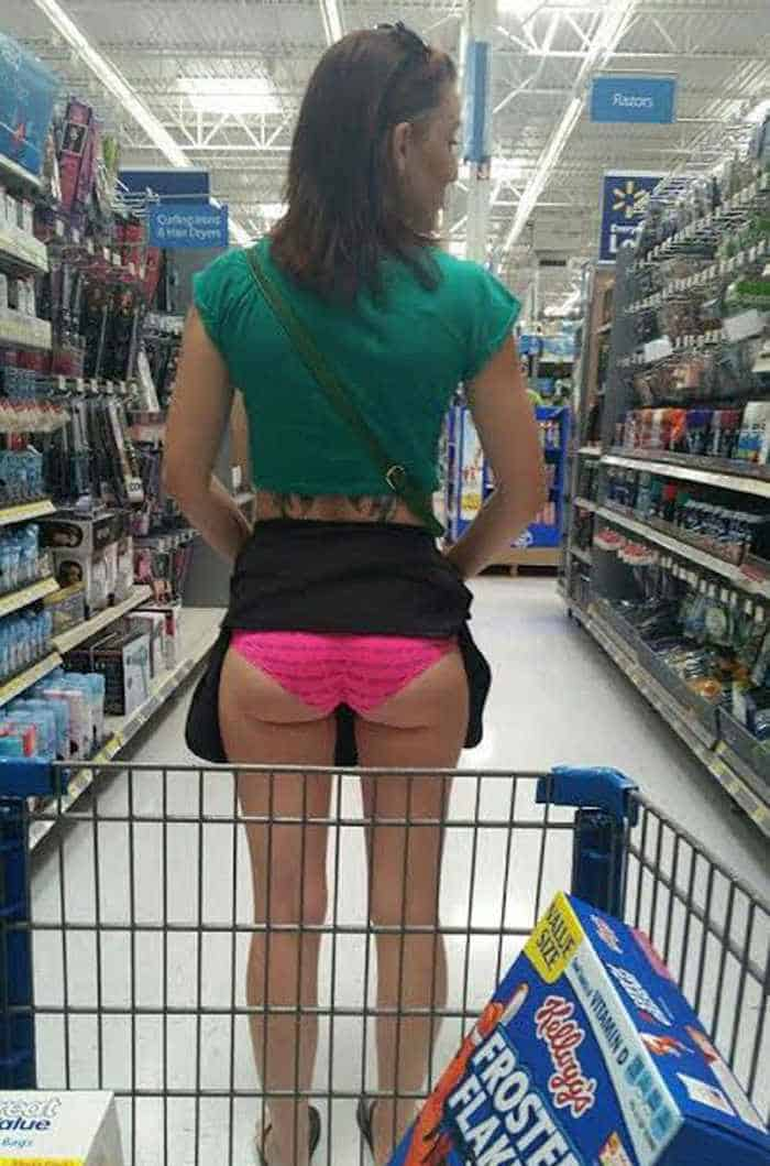 40 Funny Pics Of Most Ridiculous People Of Walmart -17