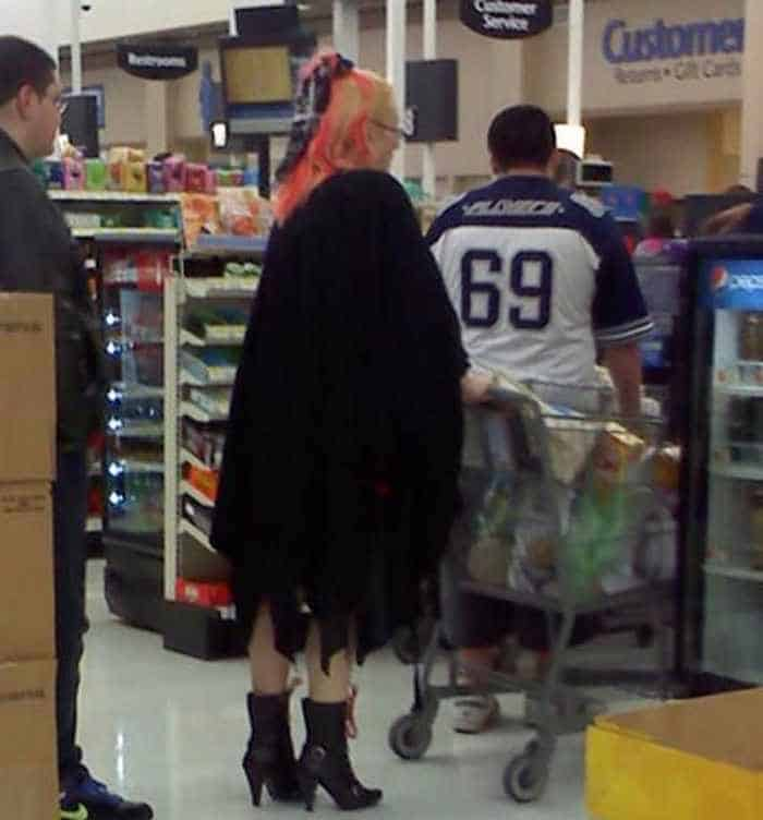 40 Funny Pics Of Most Ridiculous People Of Walmart -36