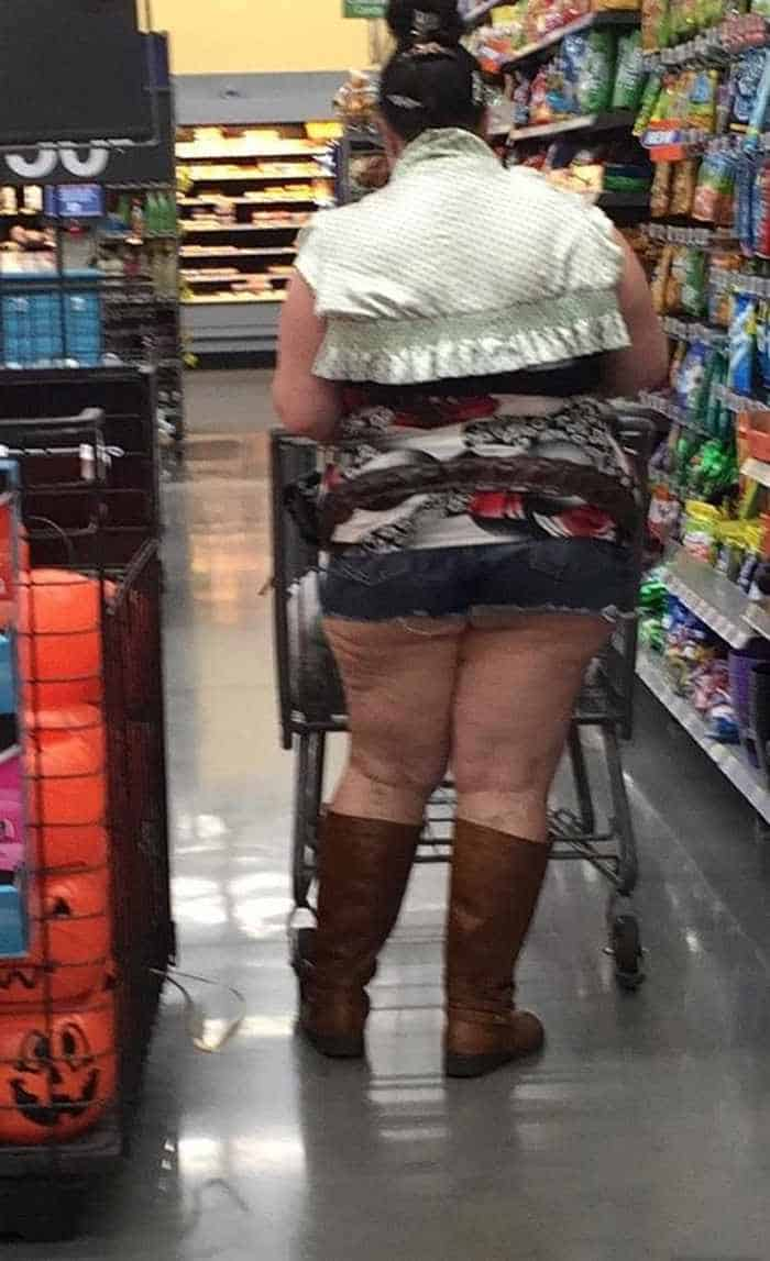 40 Funny Pics Of Most Ridiculous People Of Walmart -37