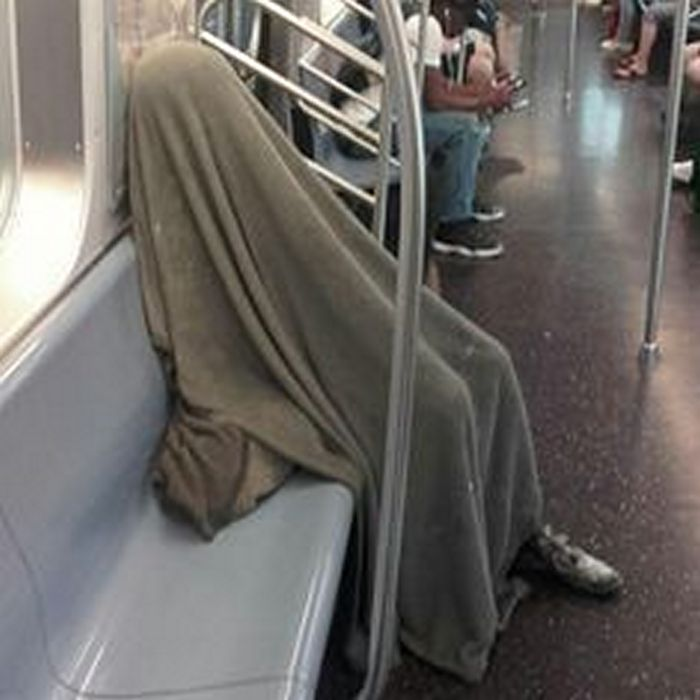 Most Ridiculous Subway Encounters That Will Make You LOL (29 Pics)-01