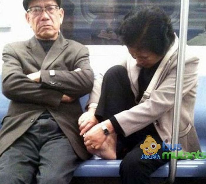 Most Ridiculous Subway Encounters That Will Make You LOL (29 Pics)-05