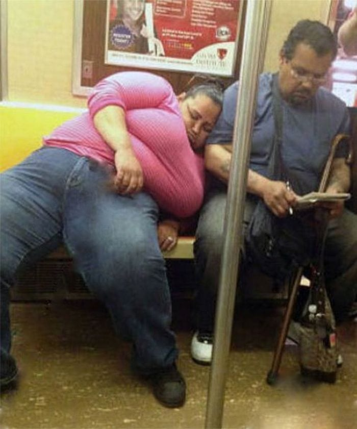 Most Ridiculous Subway Encounters That Will Make You LOL (29 Pics)-07