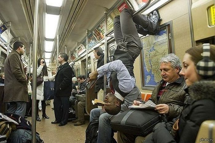 Most Ridiculous Subway Encounters That Will Make You LOL (29 Pics)-12