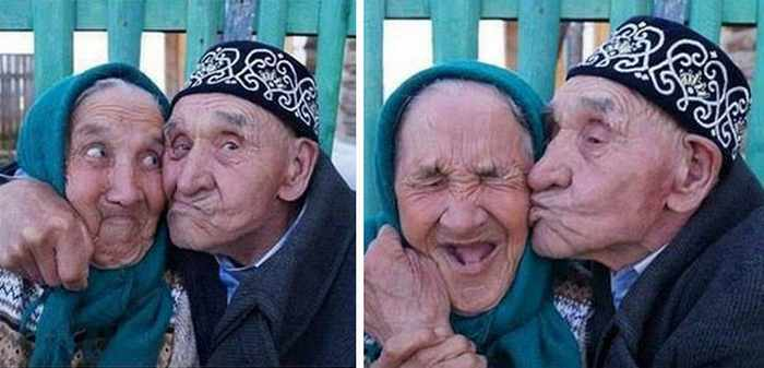 22 Old Age Couples That Are In Love -04