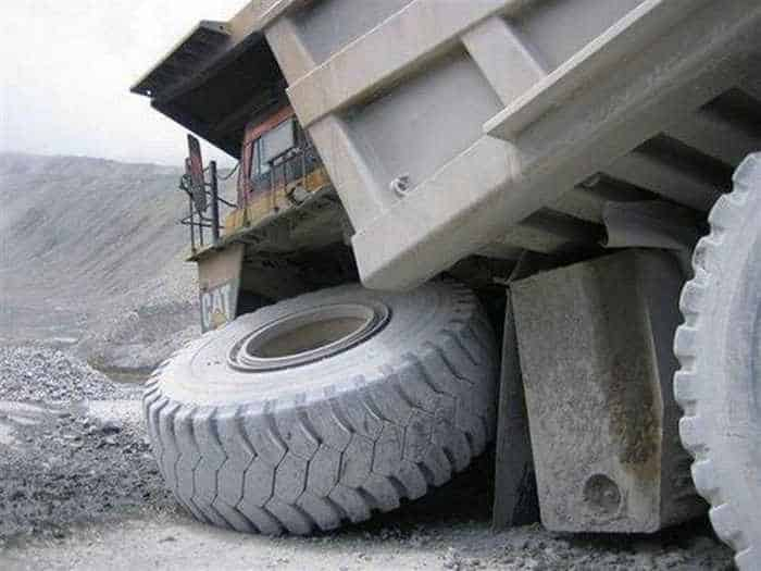 3 Epic Fail Pictures of Funny Overloaded Truck-02