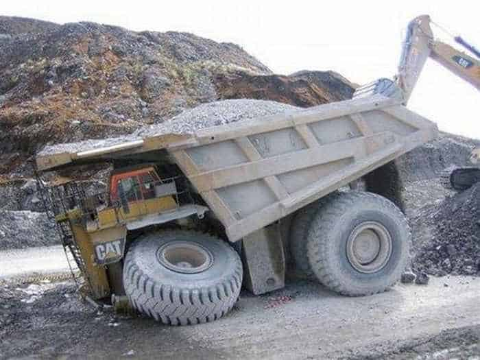 3 Epic Fail Pictures of Funny Overloaded Truck-03