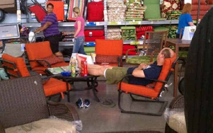 The People of Walmart are on another level (35 Photos) -15