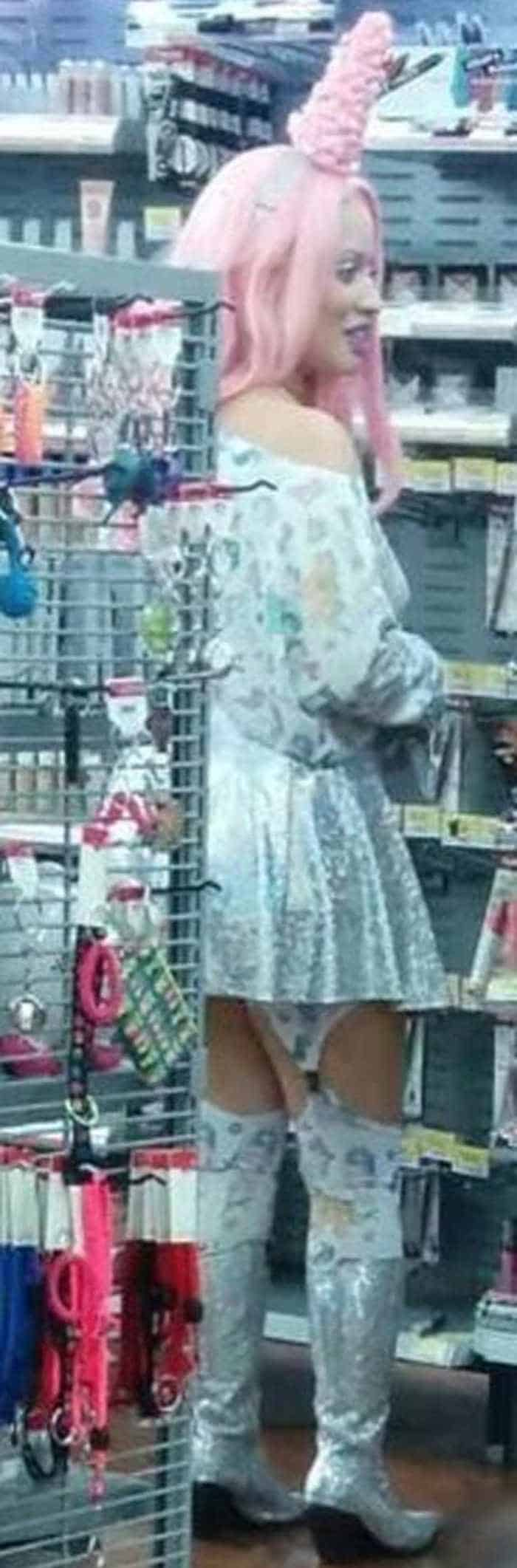 The People of Walmart are on another level (35 Photos) -23