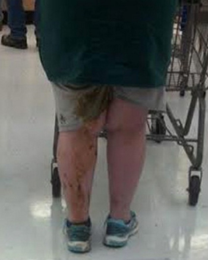 People Of Walmart That Are Too Ridiculous To Handle (100+ Pics)-01