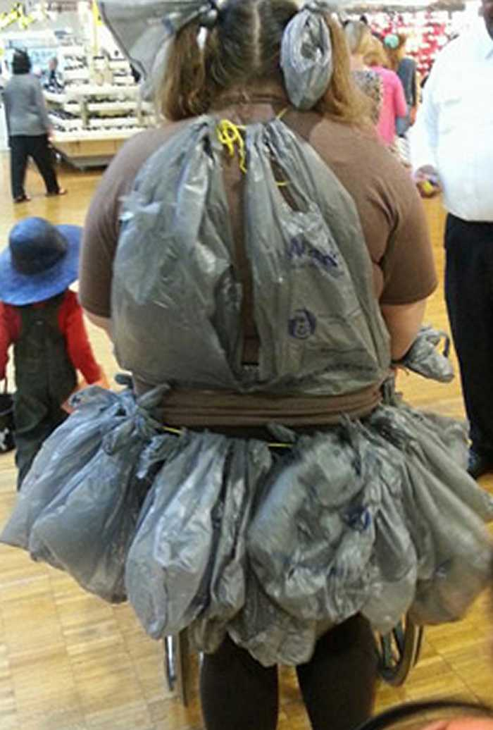 People Of Walmart That Are Too Ridiculous To Handle (100+ Pics)-109