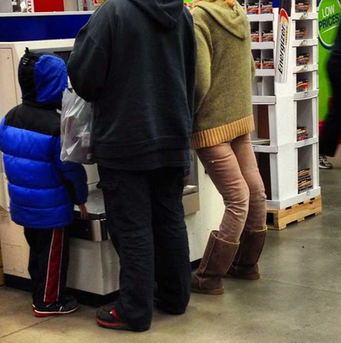 People Of Walmart That Are Too Ridiculous To Handle (100+ Pics)-110
