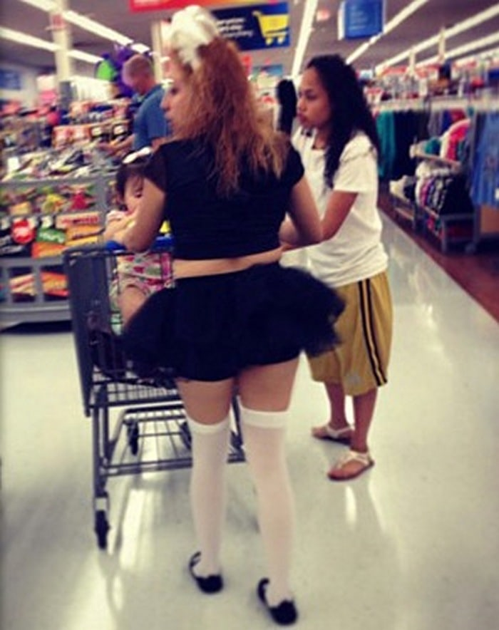 People Of Walmart That Are Too Ridiculous To Handle (100+ Pics)-17