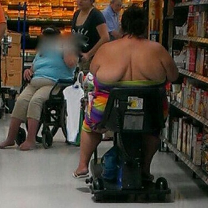 People Of Walmart That Are Too Ridiculous To Handle (100+ Pics)-25