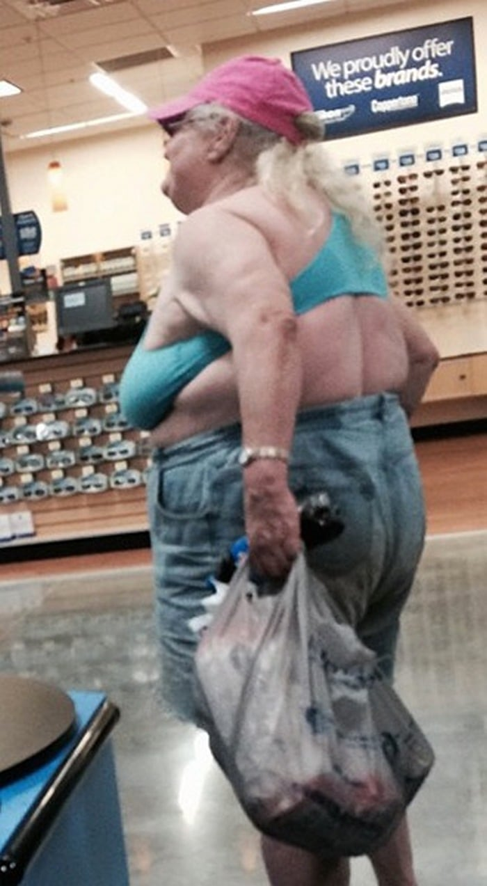 People Of Walmart That Are Too Ridiculous To Handle (100+ Pics)-42