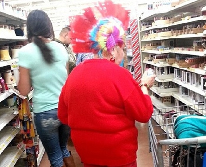 People Of Walmart That Are Too Ridiculous To Handle (100+ Pics)-57